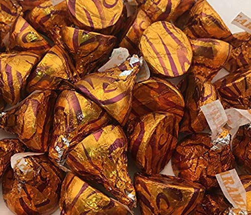 Hershey's Kisses Milk Chocolate Filled With Caramel, Gold Foil (Pack of 5 Pounds) ()