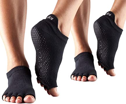 Amazon.com: Toesox Multi Pack Grip Pilates Barre Yoga ...
