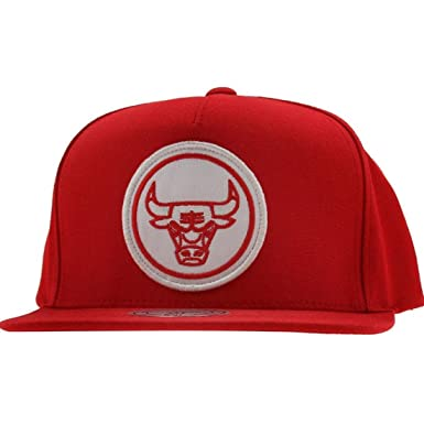 678d2e31ac1 Image Unavailable. Image not available for. Colour  Chicago Bulls Mitchell    Ness Red Hardwood Classics Novelty  Pinch Panel  Snapback Hat
