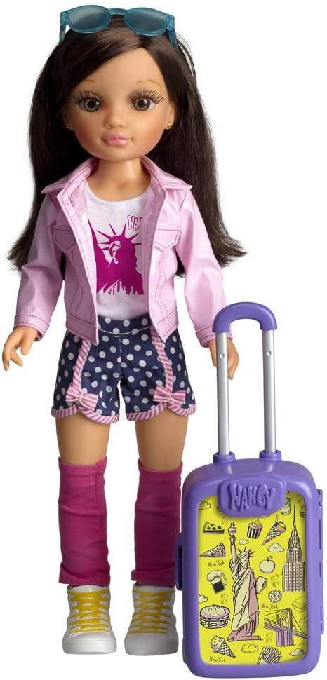 Nancy - Chic Viaja a New York, Muñeca con Maleta y Accesorios para Niños y Niñas a Partir de 3 Años, Multicolor, (Famosa 700015340)