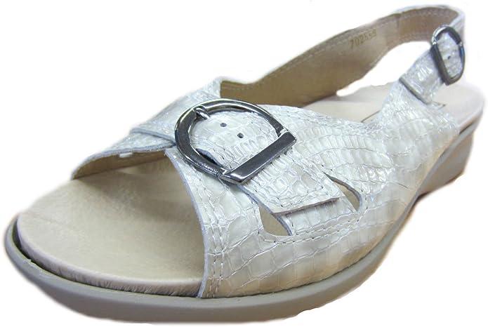 Beige Patent Sandals(4E Wide