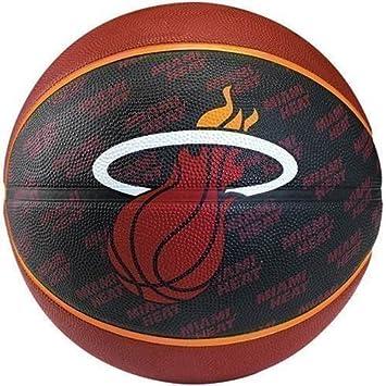 Pelota de baloncesto Spalding, ideal para jugar al aire libre ...