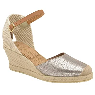 a6d826bf7ce8 Ravel Silver Etna Metallic Leather Espadrille Wedge Sandals  Amazon ...