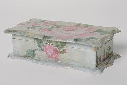 Caja de madera hecha a mano en tecnica de decoupage Rosas vintage