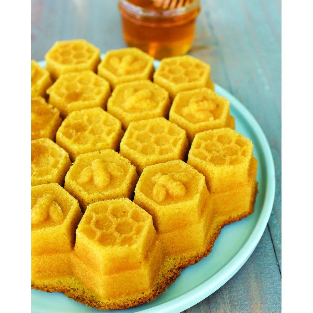Nordic Ware 85477 Honeycomb Pull-Apart Dessert Pan