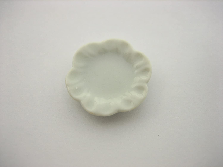 20x30mm Mini White Scallop Plates Dish Dollhouse Miniature Ceramic Supply 10855