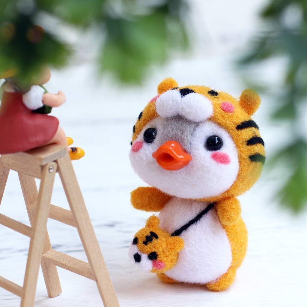 CHBC Tiger Penguin Needle Felting Kits Wool Felt Craft DIY Unfinished Poked Set Needle Material Bag Pack