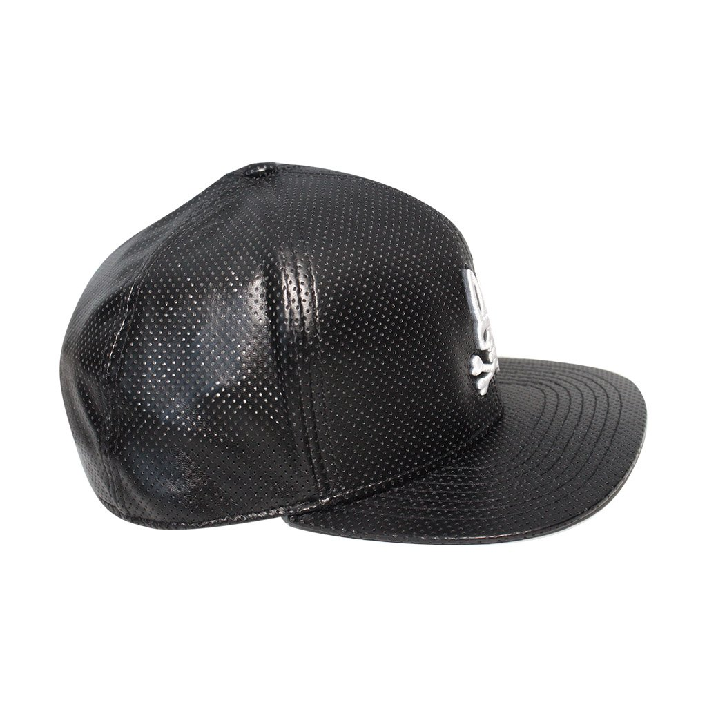 dff03fda Psycho Bunny Men's Hustle Perforated PU Leather Snapback Hat O/S Black:  Amazon.ca: Clothing & Accessories