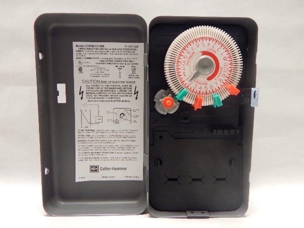 Cutler Hammer CHEM101NM SPST NEMA 1 Enclosure with Plastic Interior TIME Clock 24 Hour 40 AMP 120 Volt by Eaton Cutler-Hammer