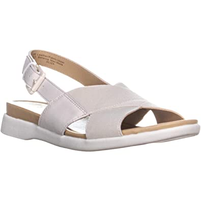 cfbefedf63a6 Amazon.com  Naturalizer Women s Eliza Flat Sandal  Shoes