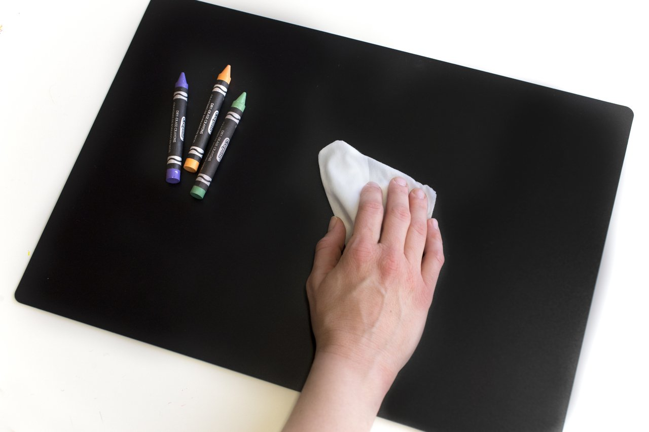 Imagination Starters Reusable Washable 8.5'' x 12'' Travel Size Flexi-mat Chalkboard Placemats- Draw, Color, Doodle - Set of 4 by Imagination Starters (Image #3)