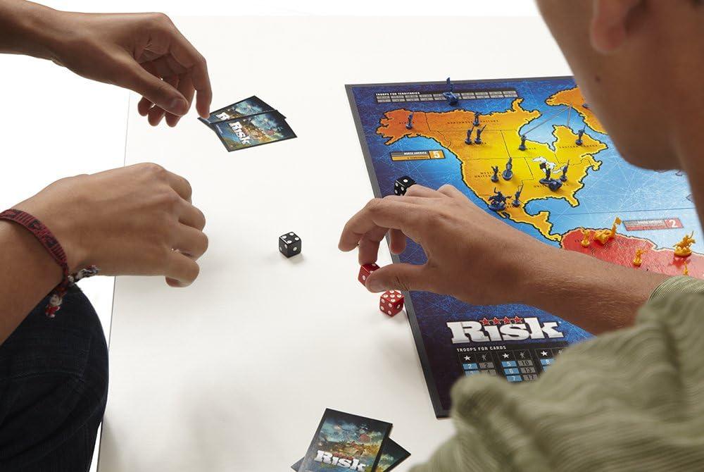 Hasbro Gaming - Juego de Estrategia Risk (28720105) (versión española): Amazon.es: Juguetes y juegos