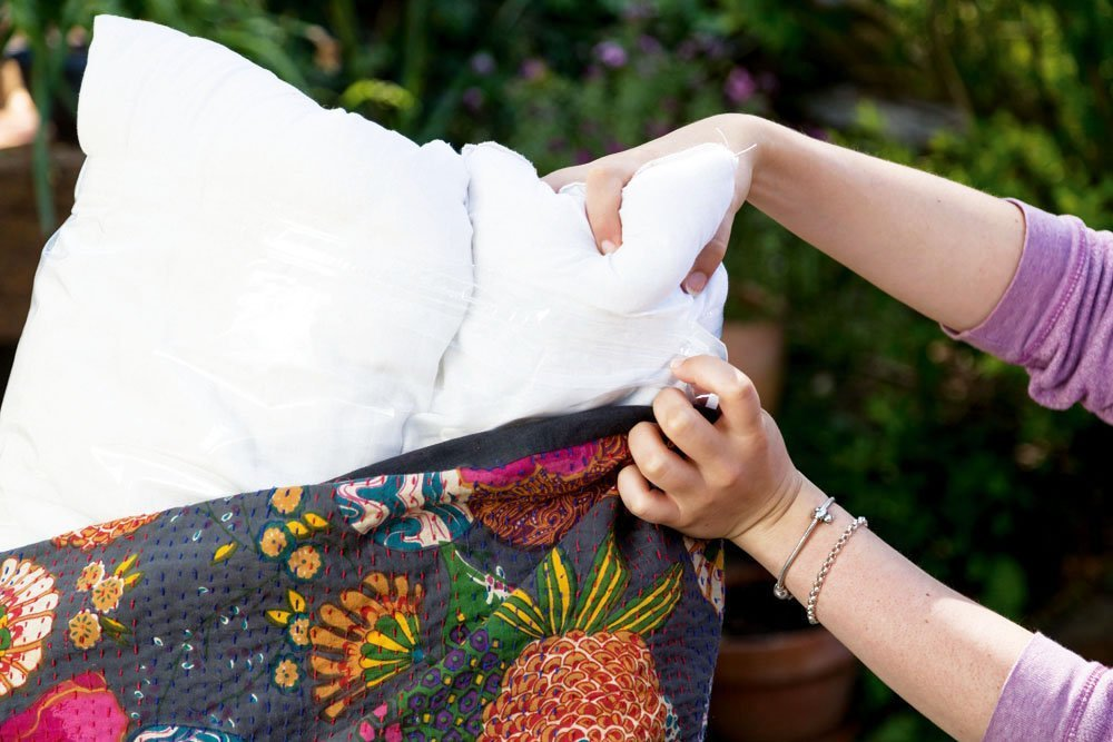IZO Home Goods Premium Outdoor Anti-mold Water Resistant Hypoallergenic Stuffer Pillow Insert Sham Square Form Polyester, 18'' L X 18'' W, Standard/White