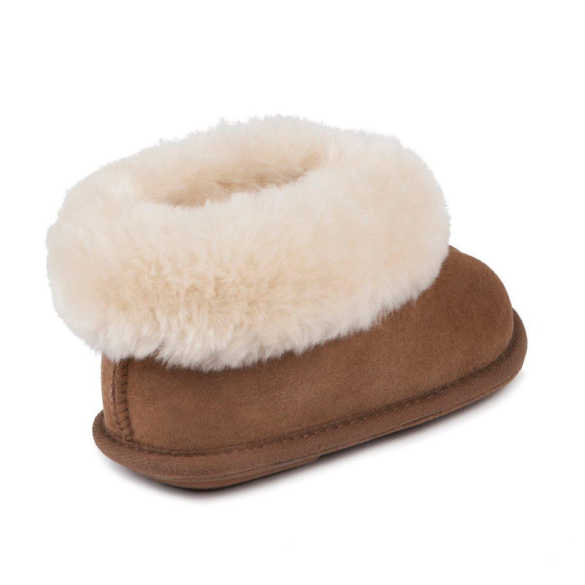 5f7abb938406 Just Sheepskin Childrens Classic Sheepskin Slippers  Amazon.co.uk  Shoes    Bags