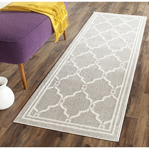Safavieh Amherst Collection AMT414B Light Grey and Ivory Indoor/ Outdoor Runner (2'3
