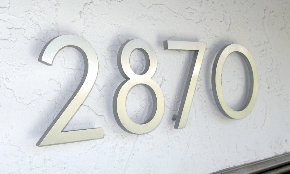 Amazon.com  Modern House Numbers Aluminum Modern Font Set of Four 6 inch numbers  Address Plaques  Garden u0026 Outdoor & Amazon.com : Modern House Numbers Aluminum Modern Font Set of Four ... pezcame.com