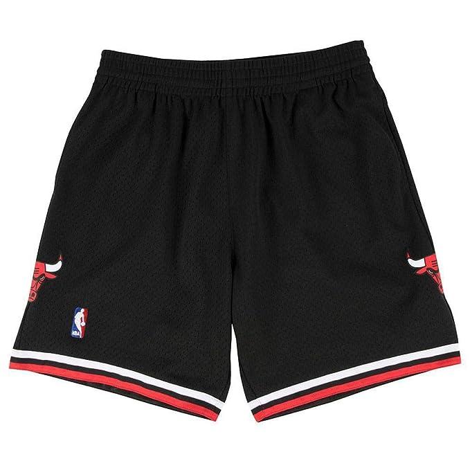 a6df4b7b4e Mitchell & Ness Pantaloncini neri Swingman Chicago Bulls 1997-1998 ...