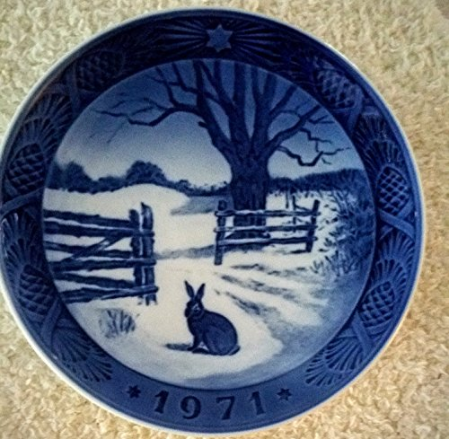 (Royal Copenhagen Denmark Porcelain 1971 Blue Christmas Plate -- Hare in Winter [Rabbit in Snow] -- 7.25