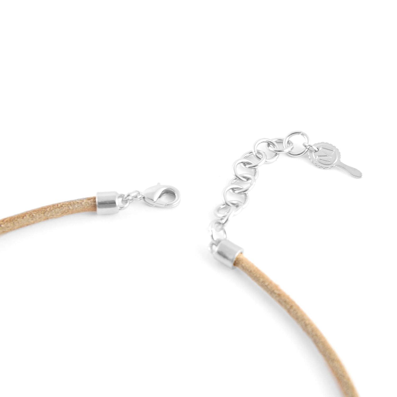 Girocollo cordino in pelle Collana Choker.Colore blu Collana corta per donna con sfere in resina e pendente quadrato