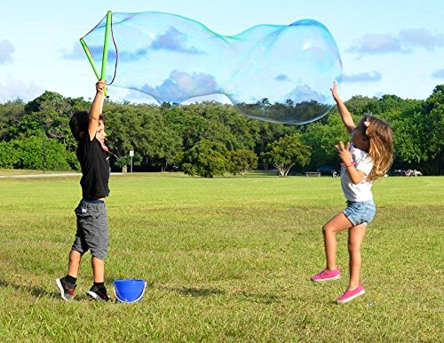 WOWmazing Giant Bubble Wand Kit: (3-Piece Set) | Incl. Wand, Big Bubble Concentrate and Tips & Trick Booklet | Outdoor Toy for Kids, Boys, Girls | Bubbles Made in the USA