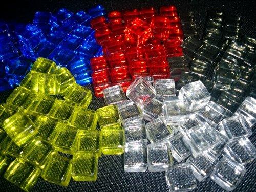 8MM PLASTIC CUBES: SET OF 25 - - Cubes Plastic Clear
