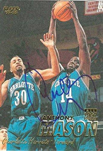 Anthony Mason autographed Basketball Card (Charlotte Hornets) 1997 Fleer #108 - Autographed Basketball (Mason Autographed Basketball)