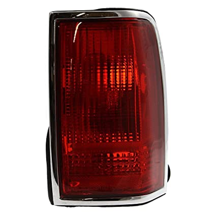 Amazon Com Evan Fischer Eva15672028343 Tail Light For Lincoln Town