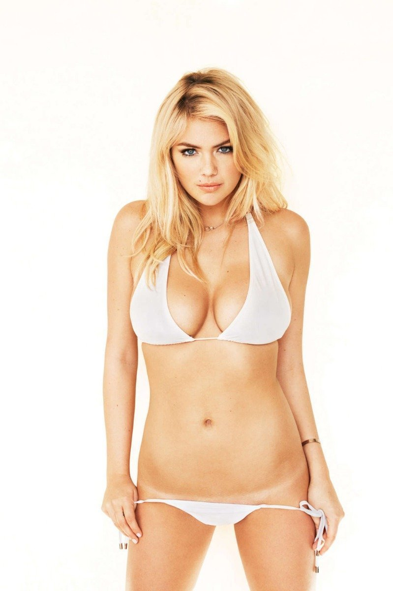 Kate Upton sexy picture #4, Kate Upton showing her tan lines while wearing a white bikini