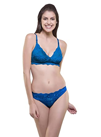 1b1e81c3b19 Amazon.com  Sexy Women Lingerie Lace Nightwear Sets of 2 Bra Penty Women  Wear Bridal Wedding Honey Moon (Blue)  Clothing