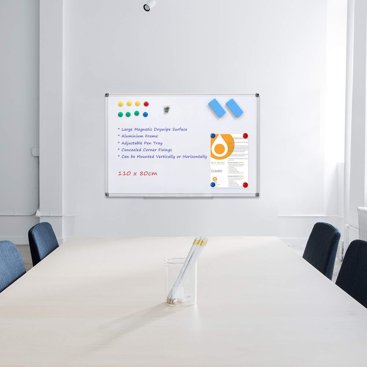 WELMORS Tableau blanc magnétique avec cadre en aluminium et porte-marqueurs Effaçable à sec, 110 x 80 cm