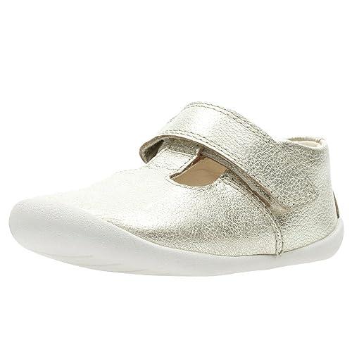 0a57d8174e5 Clarks Roamer Go Girls Leather T Bar Prewalkers 4 F Metallic  Amazon.co.uk   Shoes   Bags