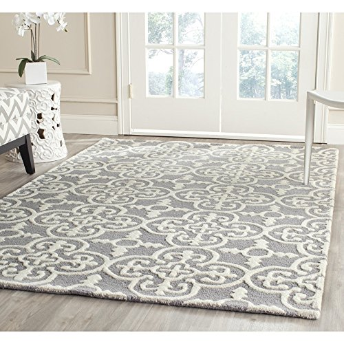 Safavieh Cambridge Collection CAM133D Handmade Moroccan Geometric Silver and Ivory Premium Wool Square Area Rug (6' Square)