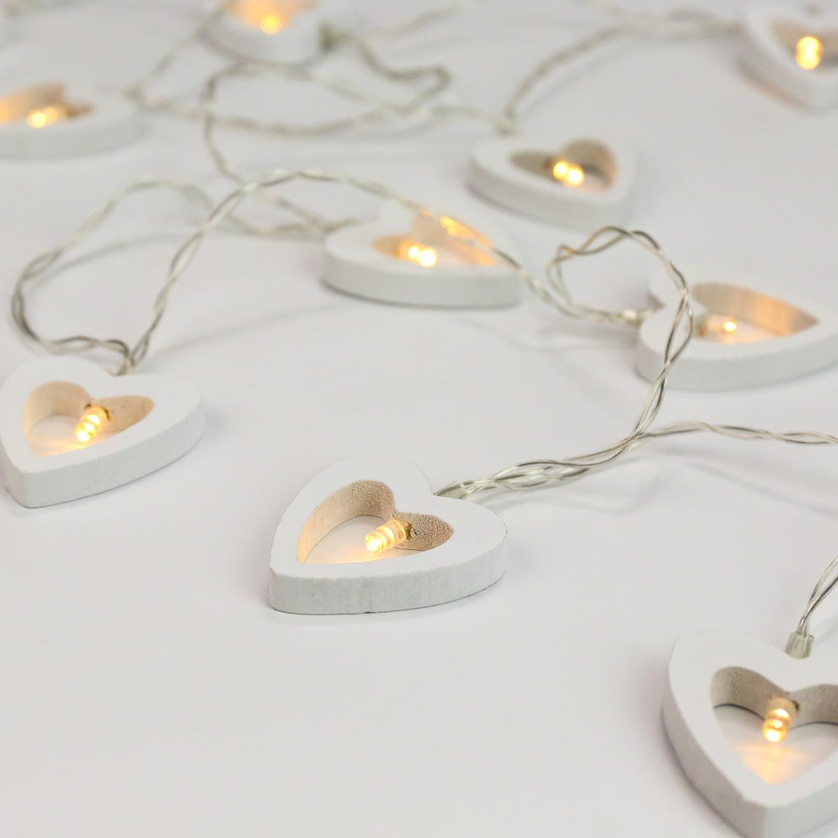 Festive Lights Wooden Heart String Lights - Battery Operated - Timer - 10 Warm White LEDs HL003