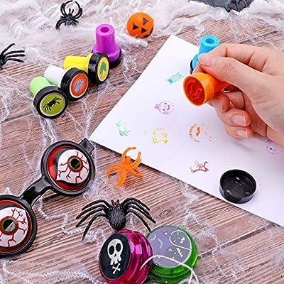 Konsait 100Pieces Halloween Toys Assortment Goody Bag Stuffers,Trick-or-Treat,School Classroom Rewards,Halloween Prizes,Halloween Party Favors Supplies Decoration