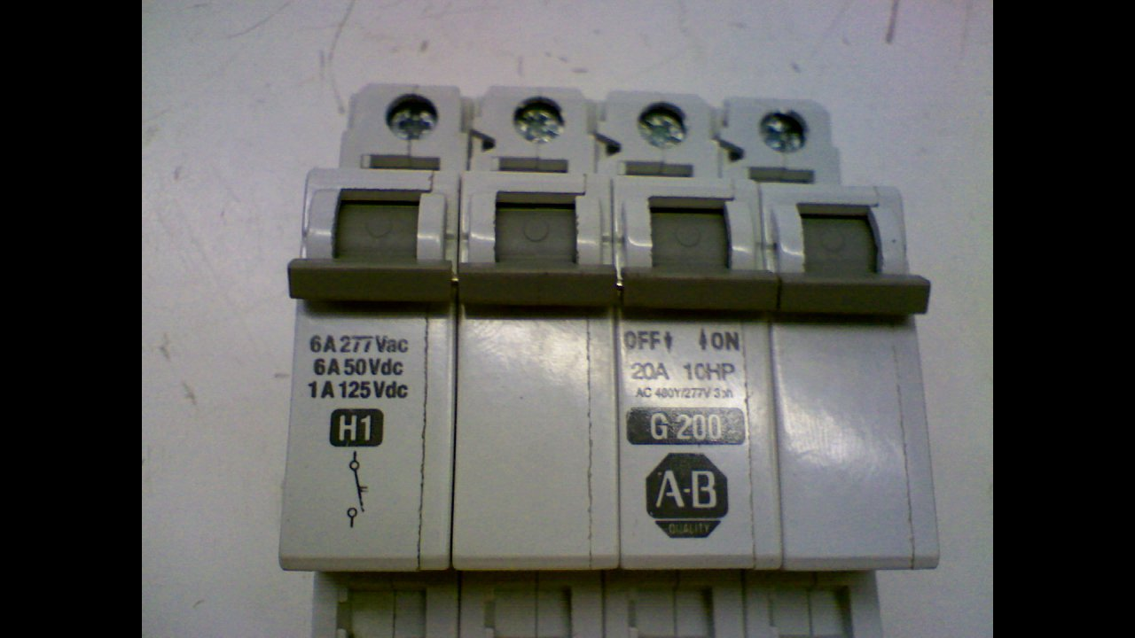 Allen Bradley 1492 Cb3g200 Breaker Circuit Breakers Cutler Hammer Gfci 2 Pole 20amp Gfcb220 Industrial Scientific