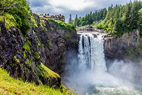 Snoqualmie Falls and Seattle Winery Experience for Two - Tinggly Voucher / Gift Card in a Gift Box