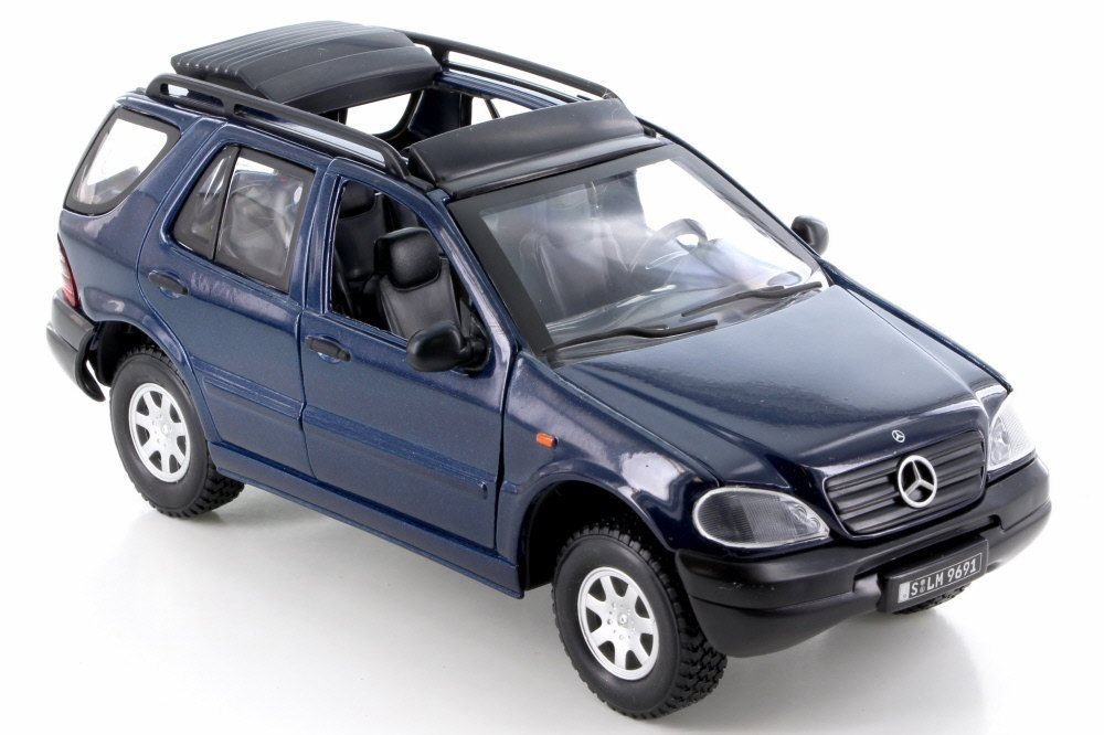 Mercedes Box Suv >> Amazon Com Smart Toys Mercedes Benz M Class Blue 95121 1