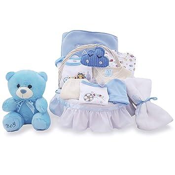 Cesta regalo para bebé recién nacido artesanal blanca canastilla mimbre con set ropa azul niño con amigurumi hecho a mano oso toalla muselina maternal tela ...
