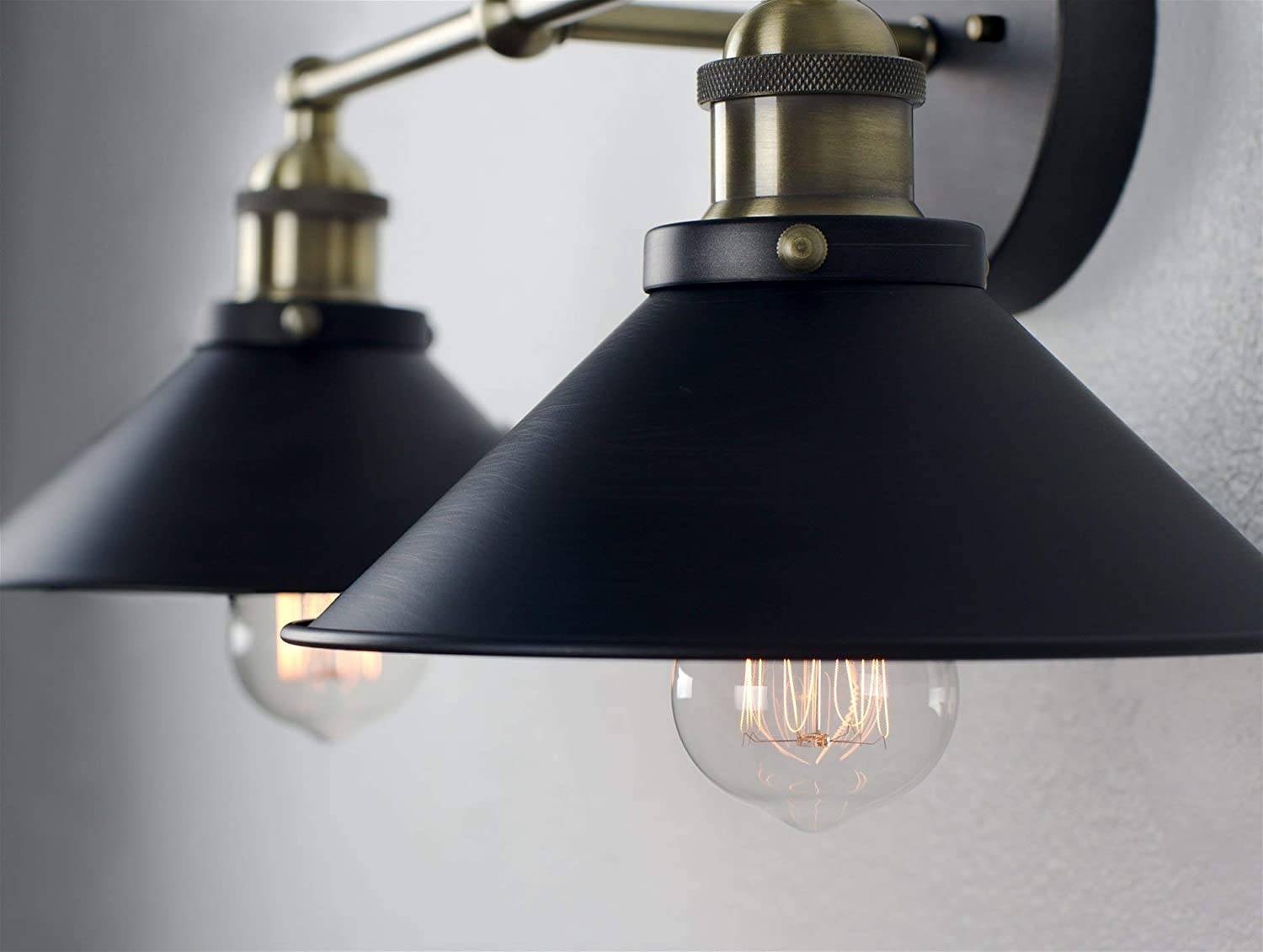 Kira Home Indie 21 Mid-Century Industrial Edison 2-Light Bathroom//Vanity Wall Sconce Antique Brass Accents Brushed Matte Black Finish
