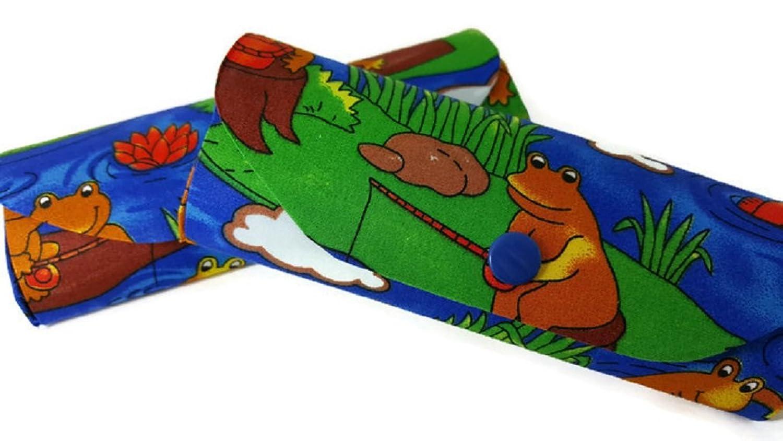ad386a433f Pequeño Duro para Gafas, diseño de ranas lillipad – Multicolor – Ideal para  niños Especificaciones. Durable Modelando Ray-Ban Gafas de sol Junior Sun  Negro ...