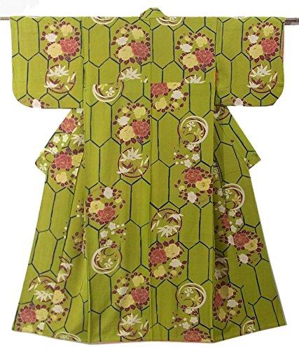 奇妙な菊いろいろアンティーク 着物 亀甲に枝梅や椿の花模様 正絹 袷 裄60cm 身丈146cm