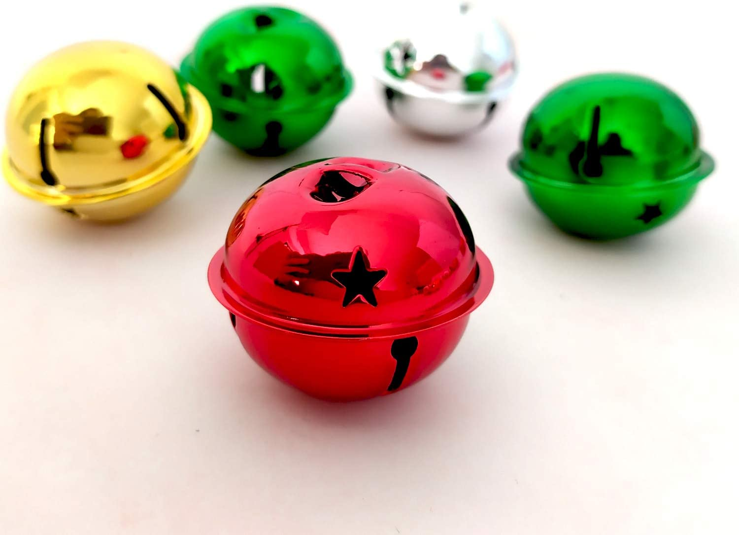 Aflyu 16 Pieces Jingle Bells Christmas Star Bells Craft Bells for Christmas Party 1.57 Inch red, Green, Gold and Silver