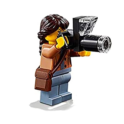 LEGO Outdoor Minifigure: Nature Photographer (Female with Long Lens Camera) 60202: Toys & Games