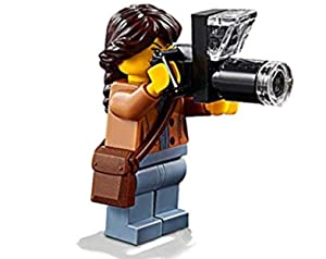 LEGO Outdoor Minifigure: Nature Photographer (Female with Long Lens Camera) 60202