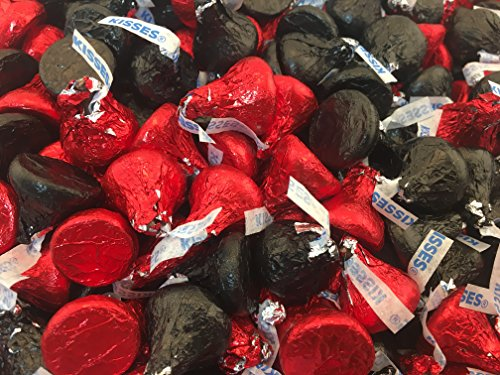 hersheys-kisses-milk-chocolate-in-red-and-black-foil-pack-of-2-pound