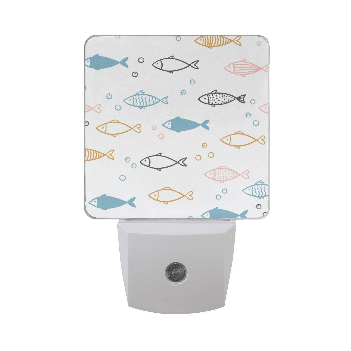 プラグインLED夜ライトランプHand Drawn魚印刷with Dusk to Dawnセンサーのベッドルーム、バスルーム、廊下、階段、2 pack-0.5 W B07CV9LBZH