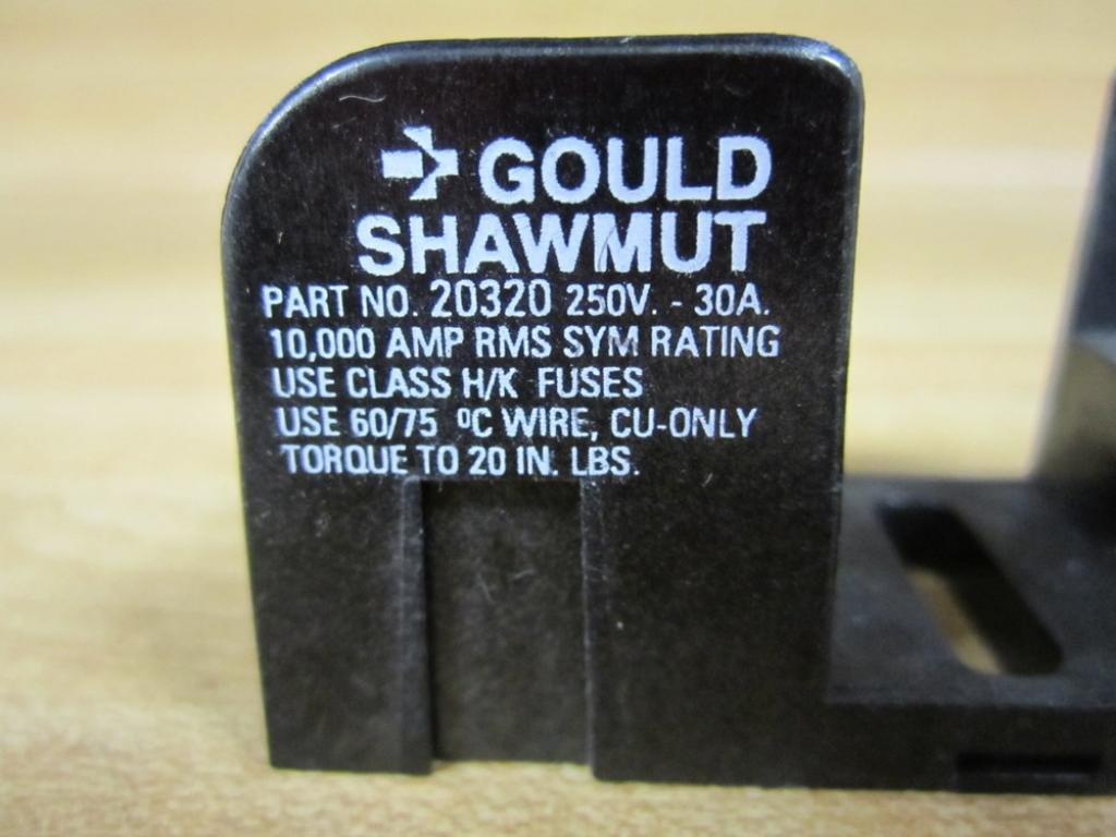 Gould Shawmut 20320 Fuse Block