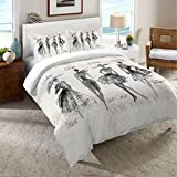 Laural Home Fashion Divas Comforter Queen