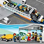 LEGO-City-Aereo-passeggeri-Terminale-e-Camion-Playset-per-bambini-dai-6-anni-in-poi-60262