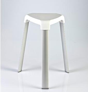 Kreher Hocker Mit Sitzflache Im Rattan Design Kunststoff Weiss